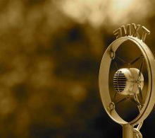 micro de estación de radio antigua